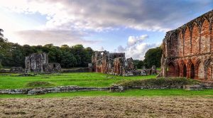 "<span  class=""uc_style_uc_tiles_grid_image_elementor_uc_items_attribute_title"" style=""color:#ffffff;"">Furness Abbey by Paul Waddington</span>"